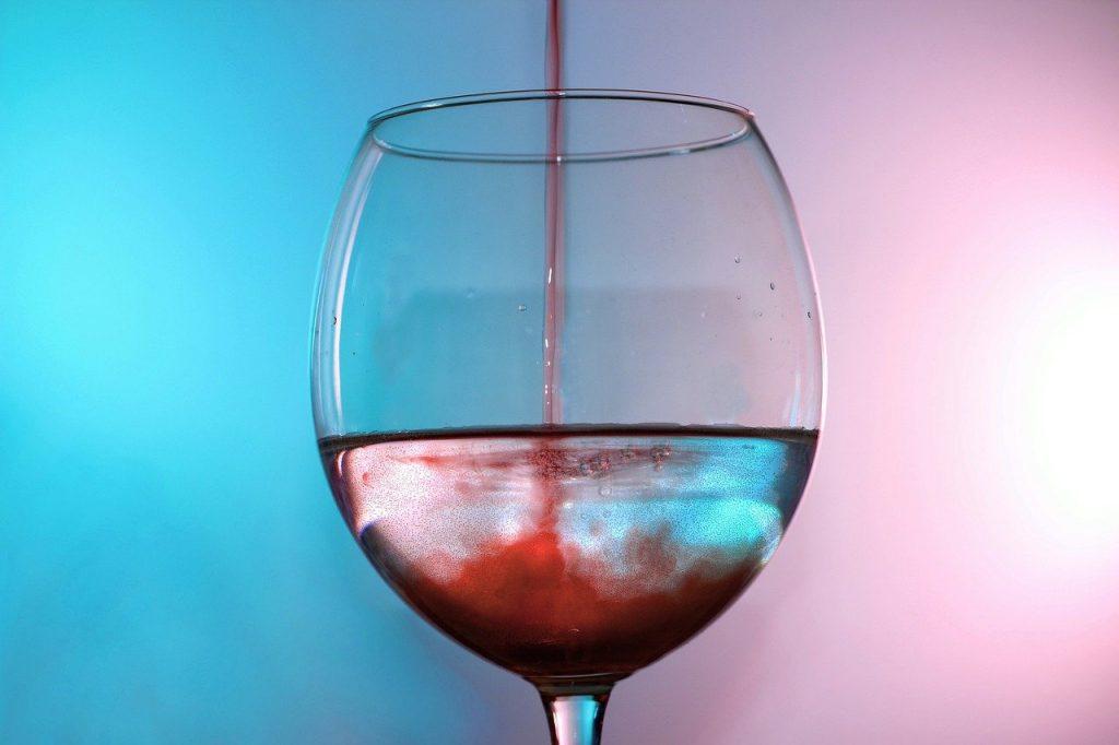 maridatge d'aigua i vi