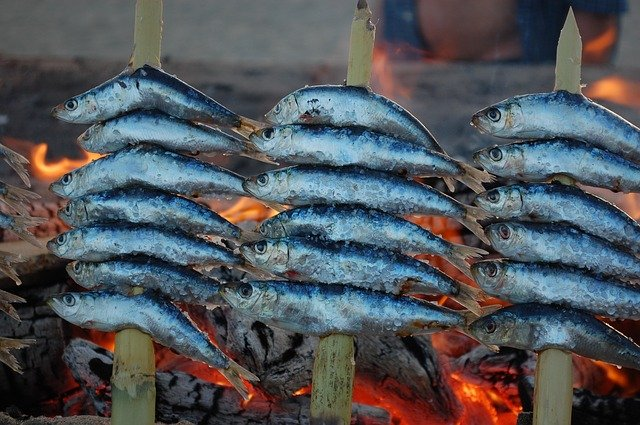 Maridaje del pescado. El espeto de Málaga