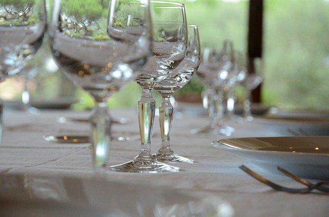 Maridaje de agua en el restaurante